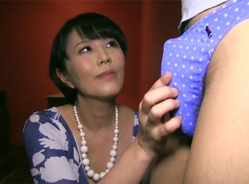 狙った獲物は逃さない腿こきマダム女性器 痛い 画像無料 石川真奈美